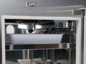 kit ice maker installazione dettaglio vaschetta e generatore ghiaccio